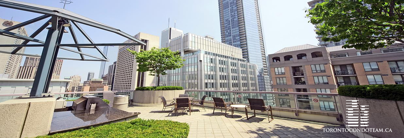 168 Simcoe Street Condos For Sale
