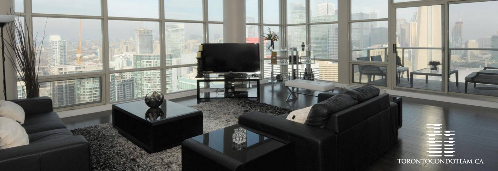 10 Navy Wharf Court Condos For Sale