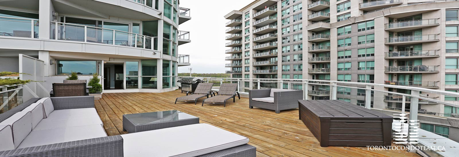 2067 Lakeshore Boulevard West Condos For Sale