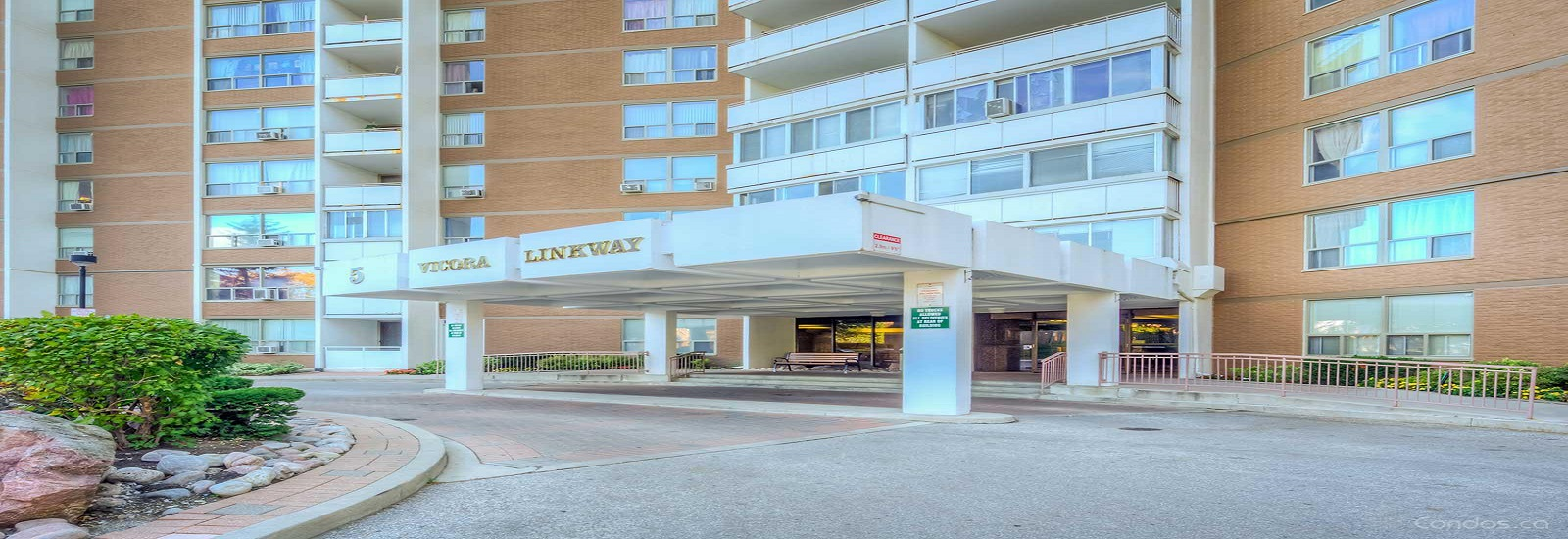 5 Vicora Linkway Condos For Sale