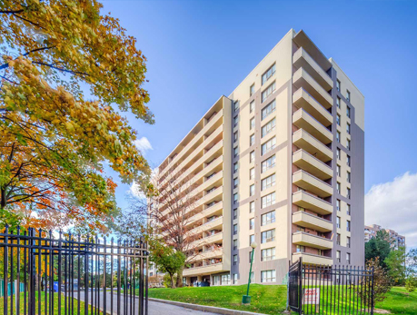 100 Canyon Ave Bathurst Manor Condos
