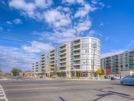 906 Sheppard Ave W Bathurst Manor Condos
