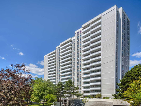 10 Parkway Forest Dr Henry Farm North York Condos