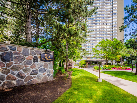 65 Skymark Dr Hillcrest Village North York Condos