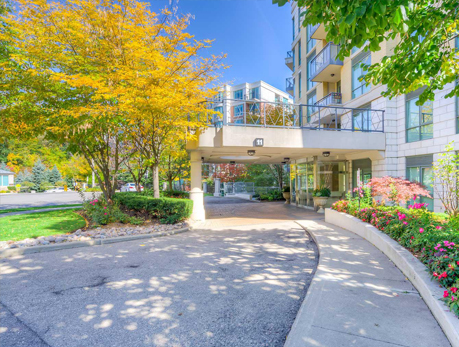 11 William Carson Cres St. Andrew-Windfields North York Condos