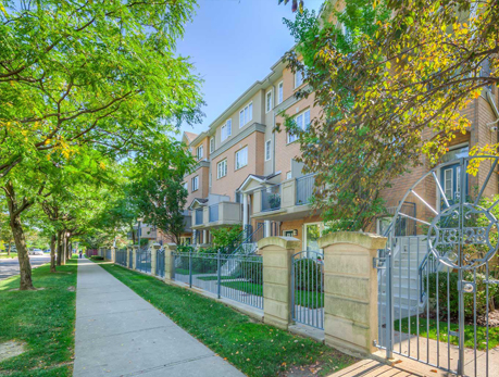 18 Sommerset Way Willowdale East North York Condos