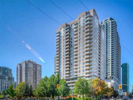 35 Empress Ave Willowdale East North York Condos