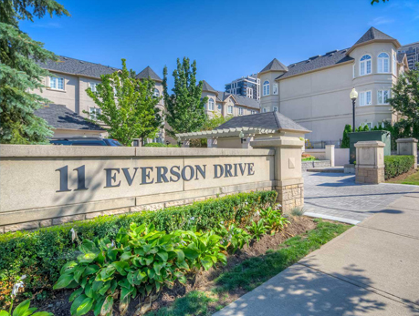 11 Everson Dr Willowdale East North York Condos