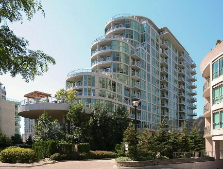 2067 Lakeshore Blvd West Toronto Condo