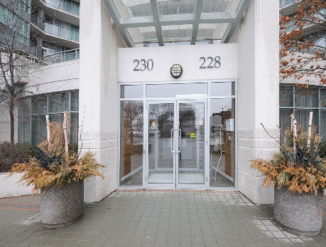 228-230 Queens Quay Waterfront Condos