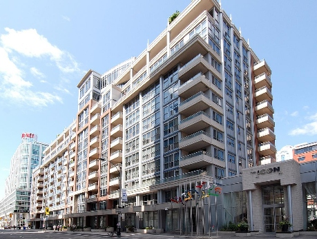 250 & 270 Wellington Street West Condos