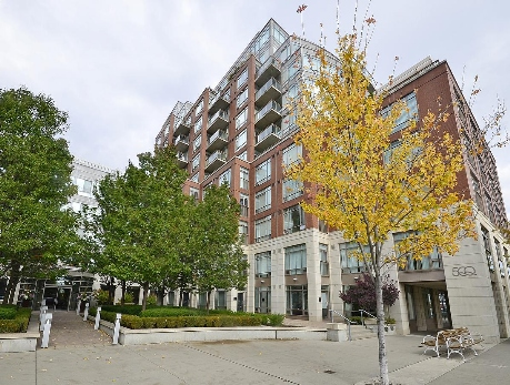 500-550 Queens Quay Waterfront Condos